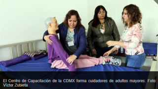 Instruyen en cuidado de adultos mayores en el #ICATCDMX.